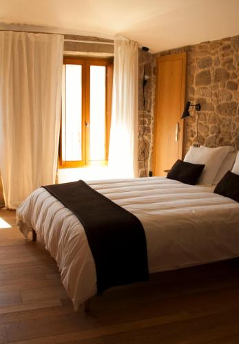 Double or Twin Room - single occupancy Os Lambráns 6