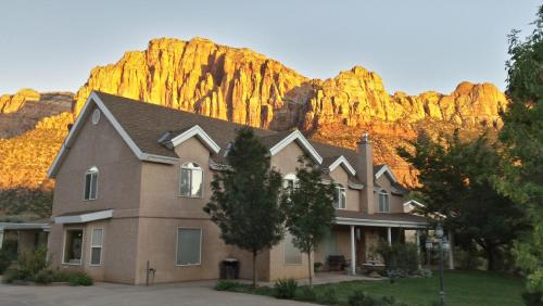 Novel House Inn At Zion