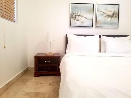 La Vista Azul Junior One Bedroom In Turtle Cove Turks Caicos Islands Reviews Prices Planet Of Hotels