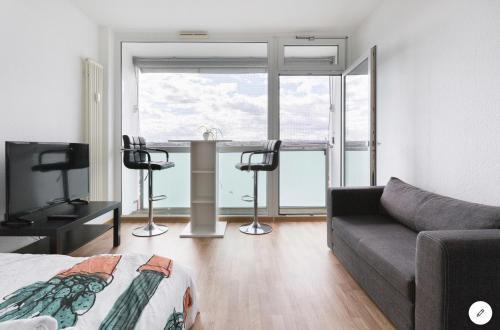 clean comfortable 公寓