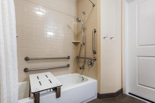 Candlewood Suites Bensalem - Philadelphia Area - Bensalem, PA 19020