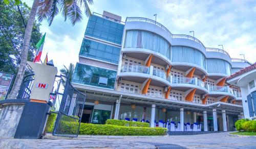 . Ceylon Sea Hotel