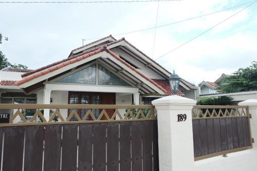 Candrakirana Guest House, Sleman