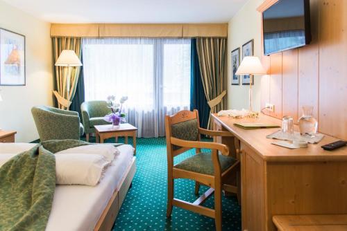Фото отеля Hotel Alpenhof