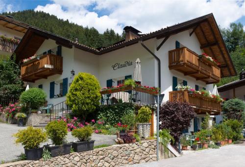 Haus Claudia - Accommodation - Nova Levante
