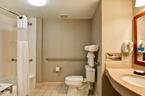 Queen Room with Two Queen Bed- Accessible Bathtub- Non- Smoking