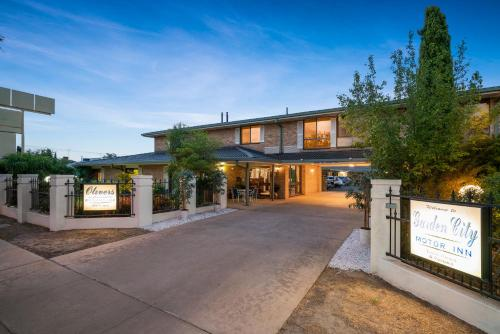 Garden City Motor Inn Hotel Wagga Wagga in Australia