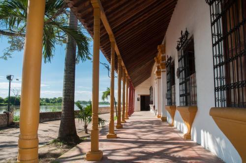 . Portal de la Marquesa