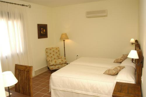 Economy Double or Twin Room Hotel Sindhura 3