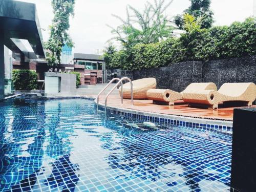 曼谷市中心,交通便捷BTS Nana/Asok,免费WiFi游泳健身房 曼谷市中心,交通便捷BTS Nana/Asok,免费WiFi游泳健身房