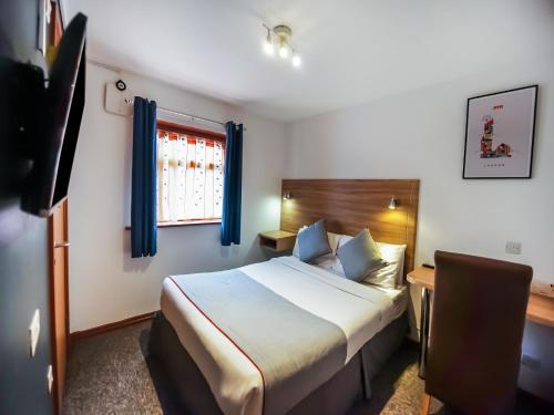 OYO Arinza Hotel - Photo 2 of 24