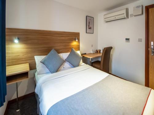 OYO Arinza Hotel - Photo 3 of 24