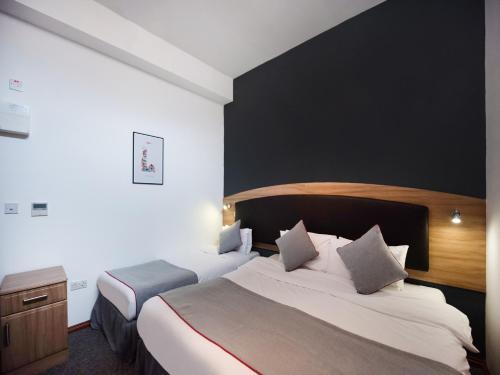 OYO Arinza Hotel - Photo 8 of 24