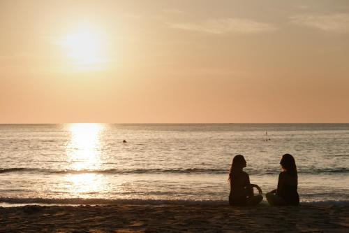 Pansea Bay, 118 Moo 3, Choeng Talay, Talang District, 83110, Thailand.