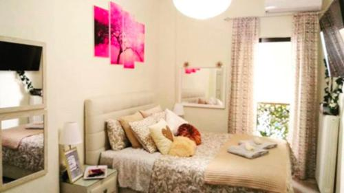 Theano's Cozy & Quiet Lux Central Flat - Wifi & full Amenities in Patras
