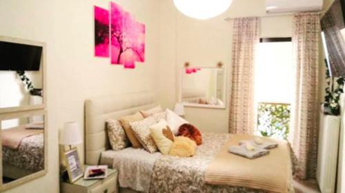 Theano's Cozy & Quiet Lux Central Flat - Wifi & full Amenities, 26222 Patras