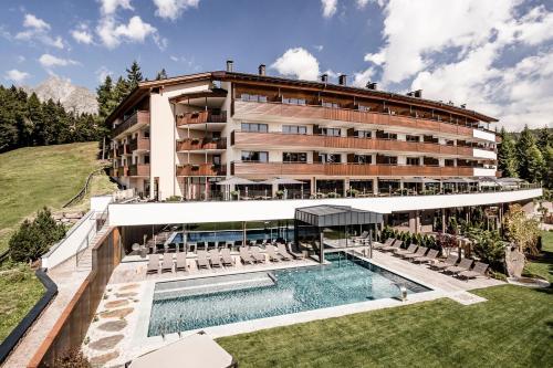 . Josef Mountain Resort