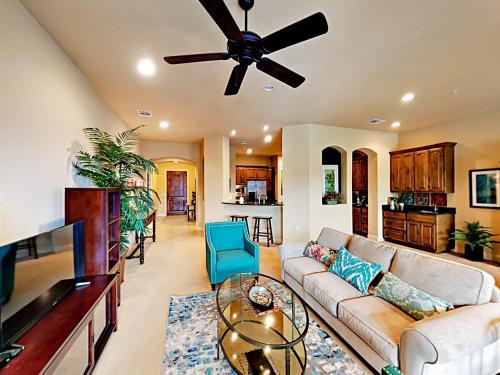 Marina Village Condo Condo - Apartment - Lakeway