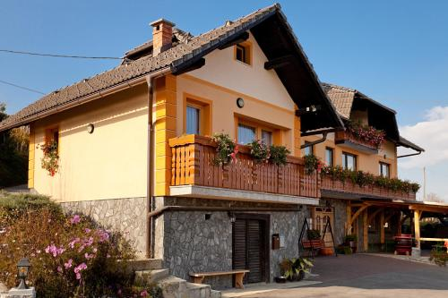 Tourist Farm Škrbina