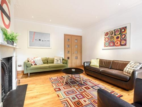 Chic Flat In Hampstead Village