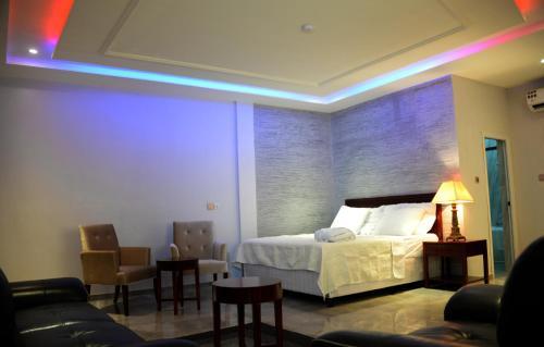 . HOTEL AMBASSADORS ANNEXE