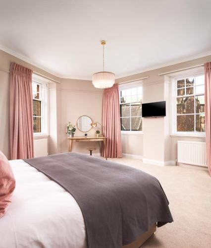 Cathedral House Hotel (B&B)