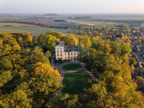 Kasteel-overnachting met je hond in Chateau Mcely - Mcely