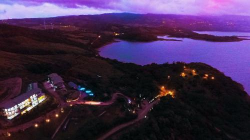 . Lake Arenal Condos