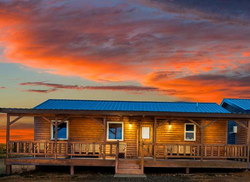 GRAND CANYON WEST RIM - HUALAPAI RANCH CABIN