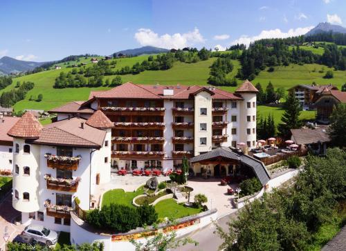 Almhof Hotel Call - San Vigilio di Marebbe / St Vigil in Enneberg