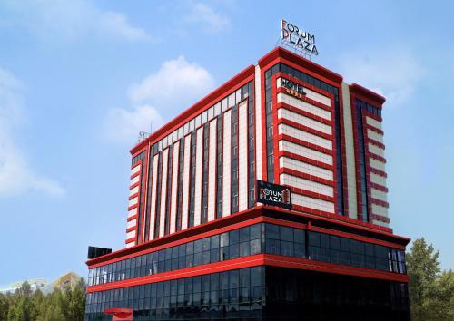 Forum Plaza Hotel