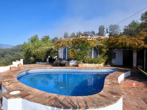Graceful Villa in Sayalonga with Swimming Pool - Accommodation - Sayalonga