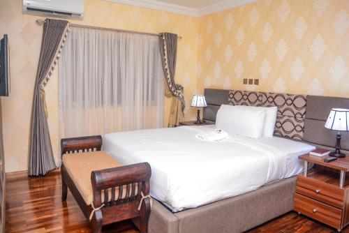 . Mahogany Hotel and Suites, Jericho, Ibadan