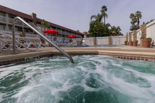 Ramada by Wyndham Costa Mesa/Newport Beach - Costa Mesa, CA CA 92627