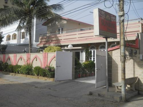 Sunrise Guest House Multan