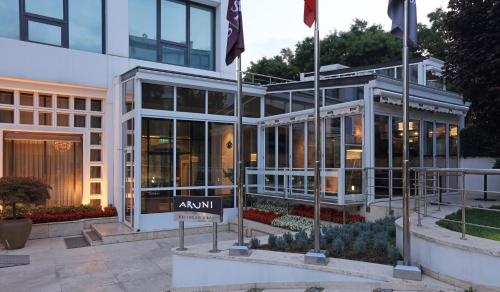 Lugal, A Luxury Collection Hotel by Starwood