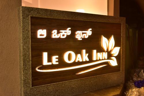. Le Oak Inn