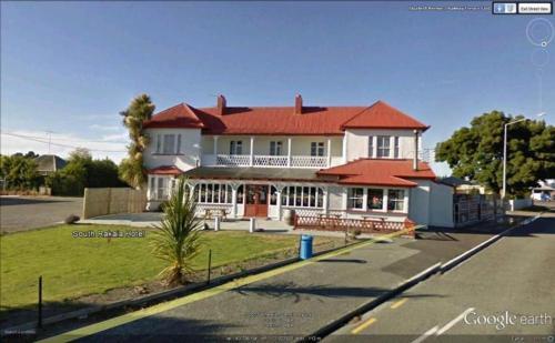 . South Rakaia Hotel