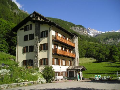 Accommodation in Ollomont