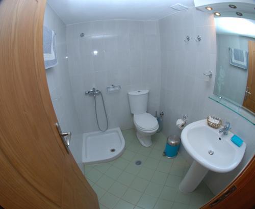 Фото отеля Nikos Hotel and Apartments
