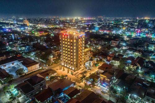 . Ritz Grand Hotel Mandalay