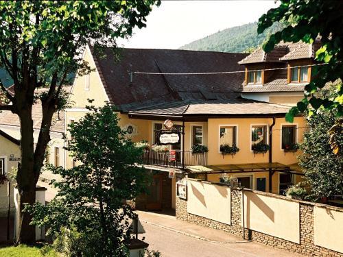 Frühstückspension Leopold Janu - Accommodation - Senftenberg