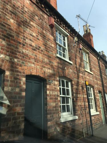 The Little House, Lincoln