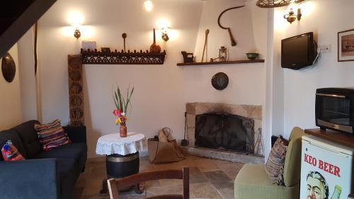 Michalis Anoyia Traditional Stonehouse - Photo 5 of 31
