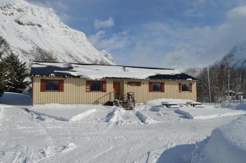 Lyngenfjord, Frøyas Hus
