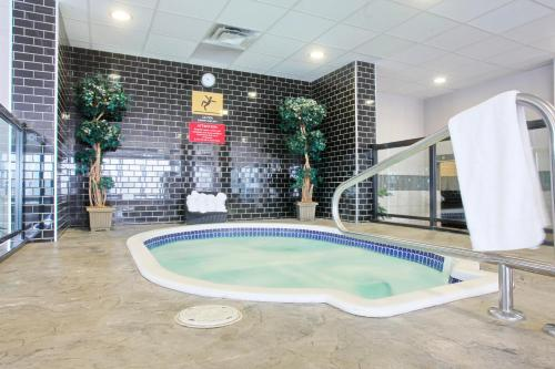 Pomeroy Hotel Fort McMurray - Fort McMurray, AB T9H 2C3