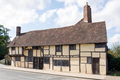 3 MASONS COURT The Oldest House In Stratford Upon Avon, Warwickshire.