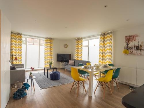 St Johns Road Apartments, Watford
