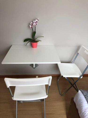 Classical 1bedroom Studio*Close to airport&CBD - image 2