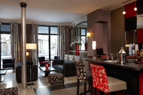 Hotel Eiffel Seine photo 4